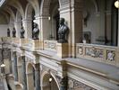 בתוך המוזיאון הלאומי