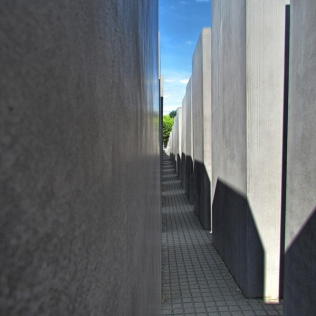 אנדרטה לשואה