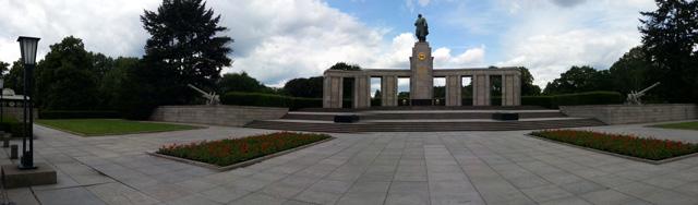 אנדרטה לחיילים הרוסים שכבשו את ברלין מהנאצים