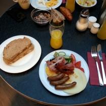 ארוחת בוקר בסגנון מקומי